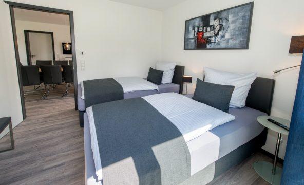 Alle großen Ferienwohnungen besitzen 2 separate Schlafzimmer. Die Betten können getrennt oder zusammen gestellt werden.
