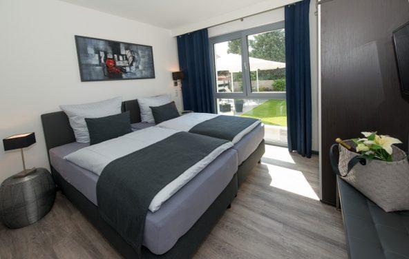 Premium-Unterkünfte mit hochwertigen Boxspringbetten, aufwendig gestalteten Küchen und Bädern. In bevorzugter, ruhiger Lage.