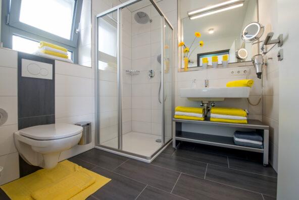Ferienwohnungen mit hochwertig ausgestatteten Bädern, Küchen und Wohnbereichen